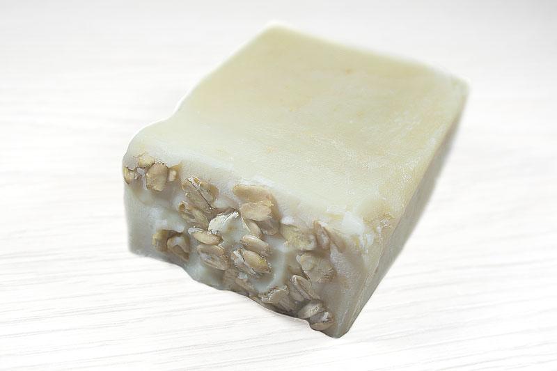 Jabón artesanal de avena y miel