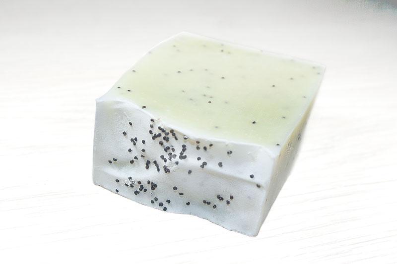 Jabón artesanal de semilla de amapola