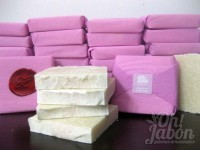 Jabón artesanal de Sal del Himalaya envuelto como detalle de boda