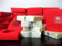 Jabón artesanal exfoliante de semilla de amapola detalle de boda