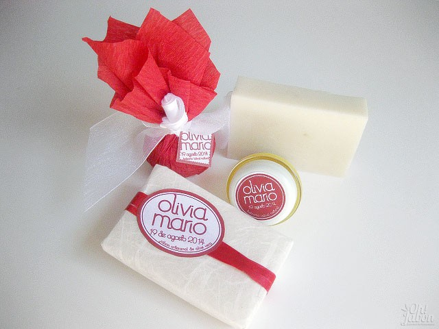 Pareja de detalles de boda: bálsamo labial y jabón artesanal