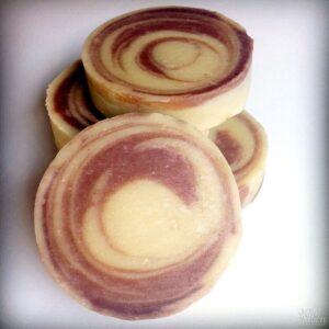 Jabón artesanal de chocolate y arcilla blanca