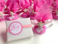 jabón artesanal y bálsamo labial detalles de boda