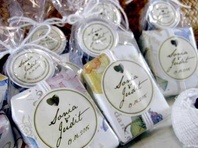 Jabón artesanal y bálsamo labial envueltos