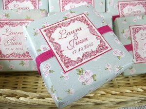 Jabón artesanal con papel de flores boda Laura