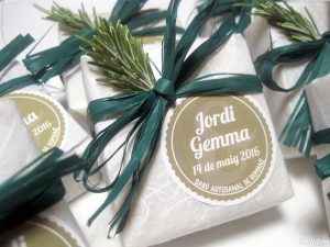Jabón detalle de boda con ramita de romero
